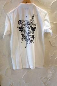 ACOUSTIC/DAGGER S/S POLO  WHITE